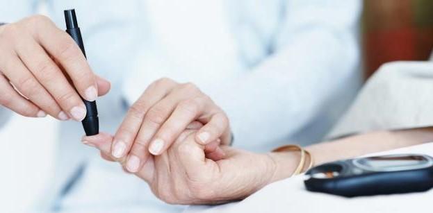 خدمات پرستاری را فقط از مراکز دارای مجوز وزارت بهداشت و درمان دریافت کنیم